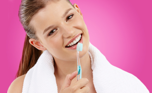 dca-blog_teen-dental-girl-toothbrush-pink